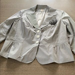 Halogen blue stripe seersucker blazer corsage 20W
